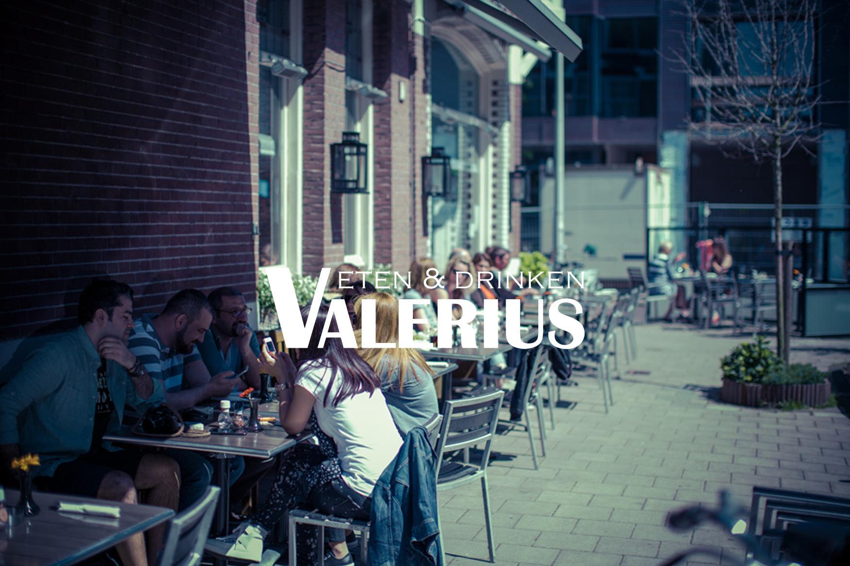 restaurant vaelrius eten en drinken terras